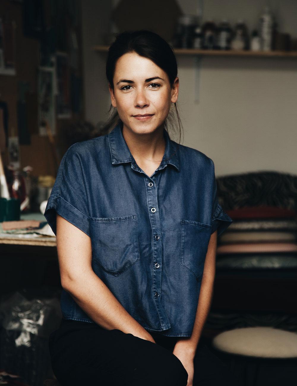 charlotte savignat portrait tapissier